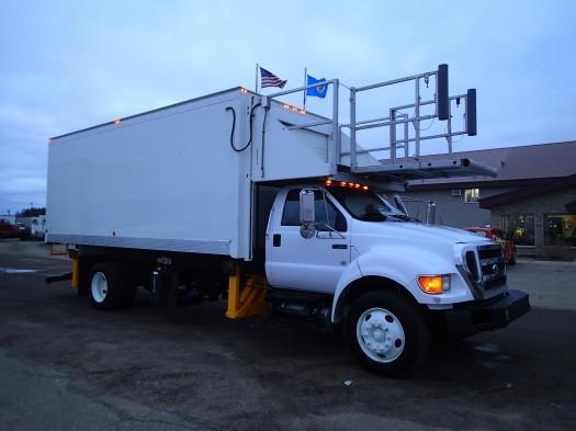 2009 Ford F-750 Airport Truck  Box Truck - Straight Truck