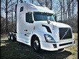 2011 Volvo Vnl42t670  Conventional - Sleeper Truck