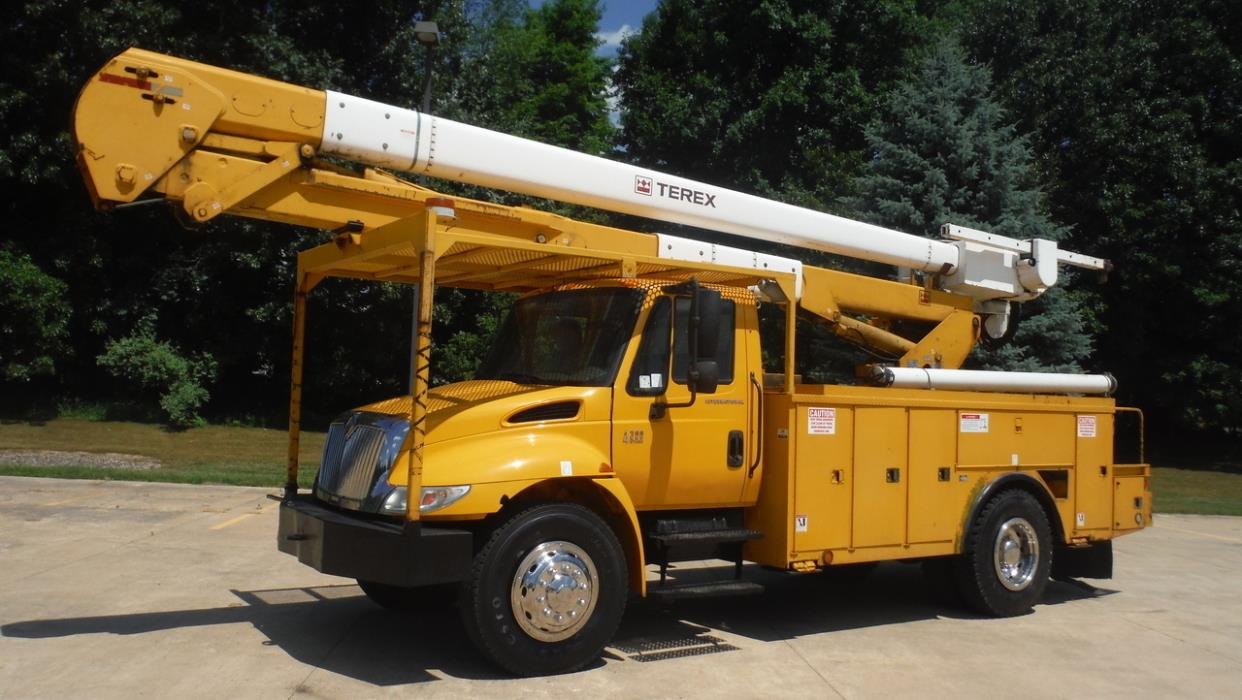 2007 International 4300 Bucket Truck - Boom Truck
