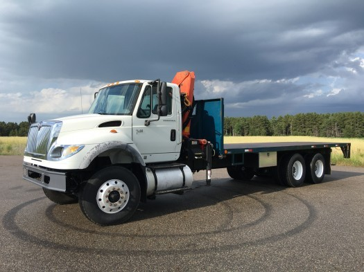 2007 International 7600 Crane Flatbed  Crane Truck