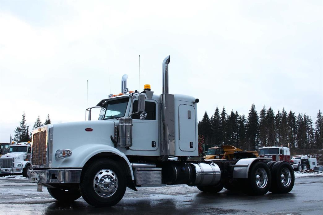 2014 Peterbilt 367 Conventional - Sleeper Truck, 2