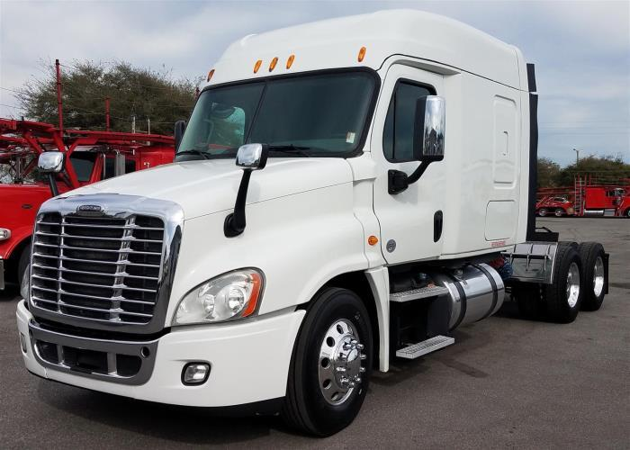 2014 Freightliner Cascadia Conventional - Day Cab