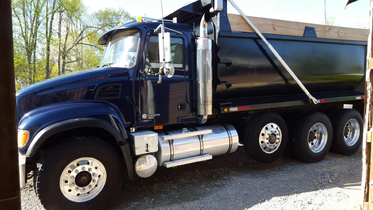 2002 Mack Granite Cv713 Dump Truck, 1