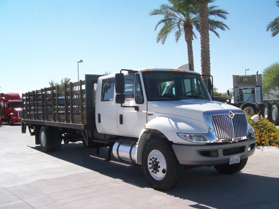 2013 International 4300  Flatbed Truck