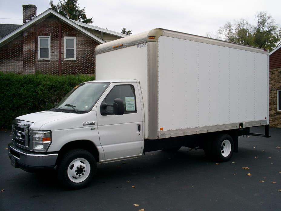 2012 Ford E-Series Cutaway-Cube Van