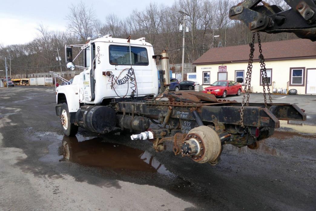 1988 Mack R-Model Salvage Truck, 3