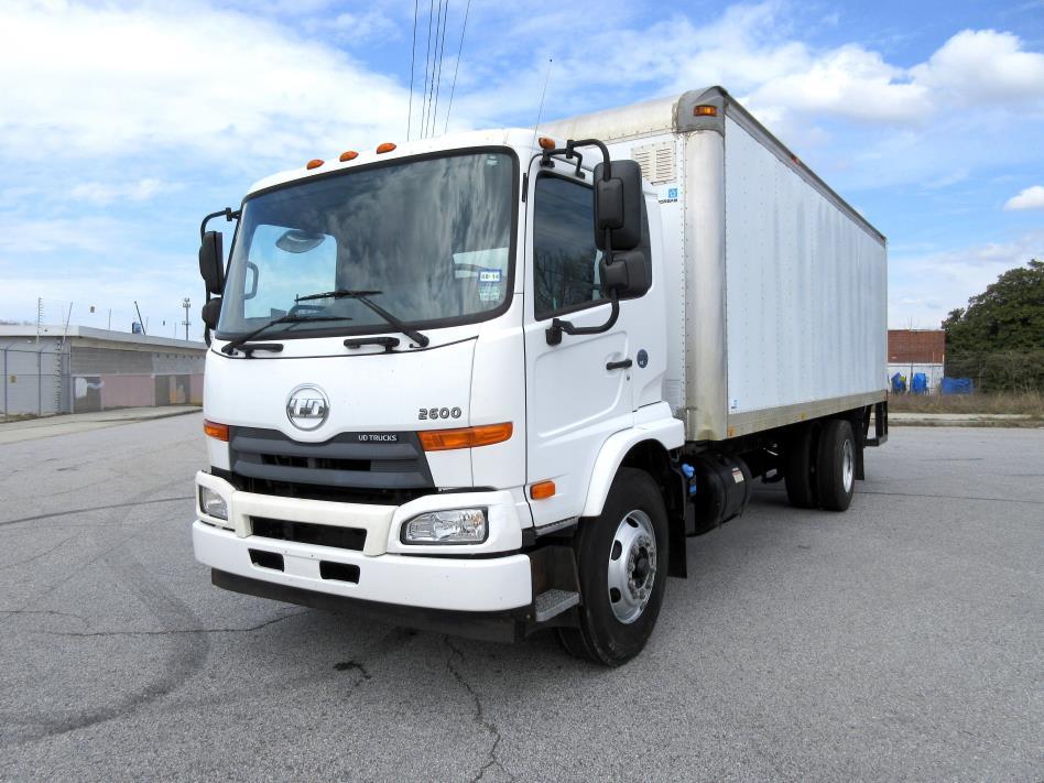 2011 Ud Trucks 2600 Box Truck - Straight Truck
