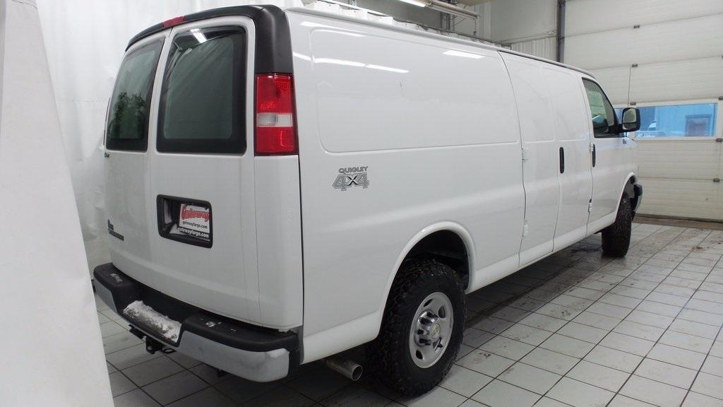 2017 Chevrolet Express 3500 Cargo Van, 7