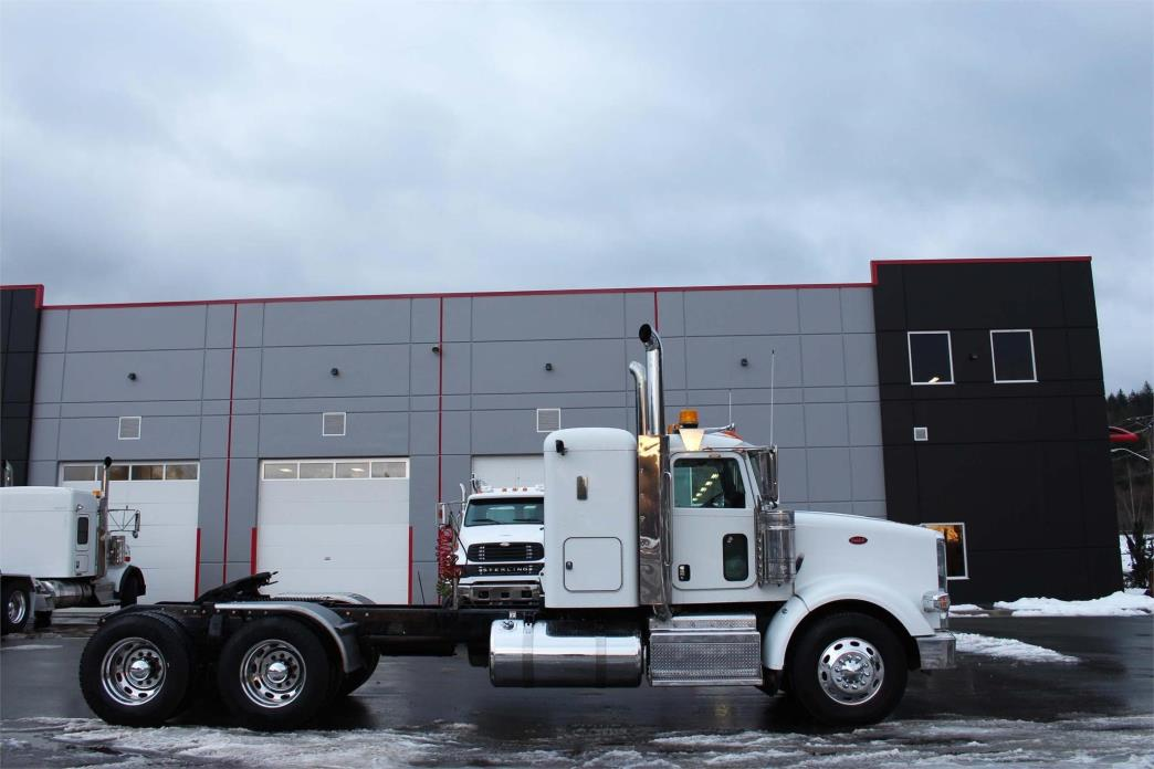 2014 Peterbilt 367 Conventional - Sleeper Truck, 5