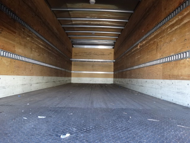2009 Hino 338 Moving Van, 6