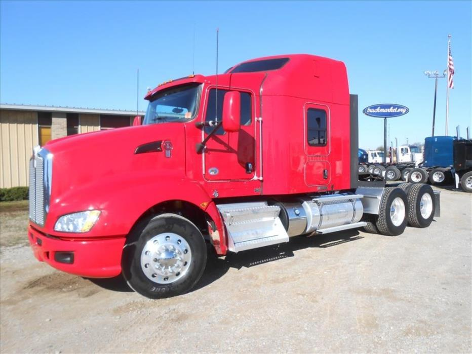 2013 Kenworth T660 Conventional - Sleeper Truck