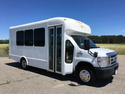 2014 Ford E350 Starcraft Bus  Bus