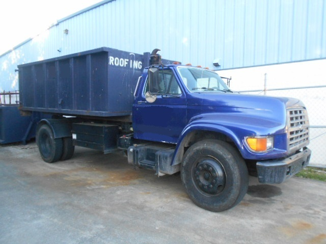 2000 Ford F800  Garbage Truck