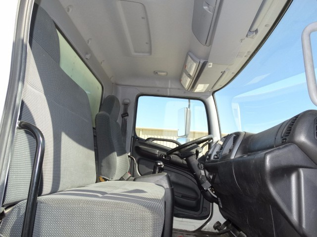 2009 Hino 338 Moving Van, 8