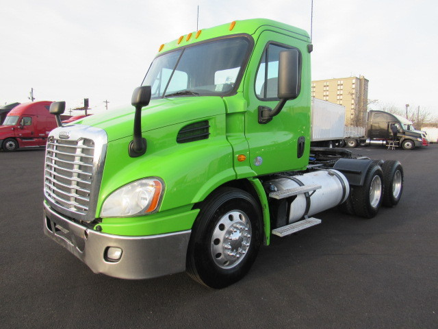 2013 Freightliner Cascadia Conventional - Day Cab