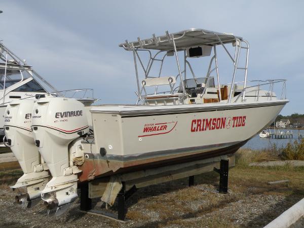 1987 Boston Whaler 27 CC Forward Cuddy