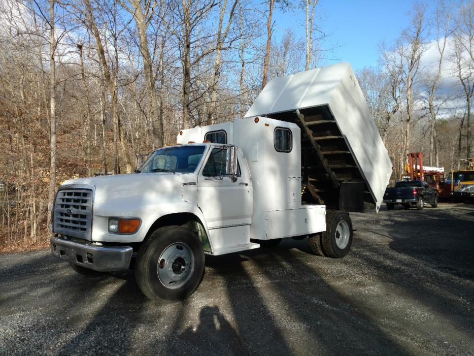 1998 Ford F750 Chipper Truck