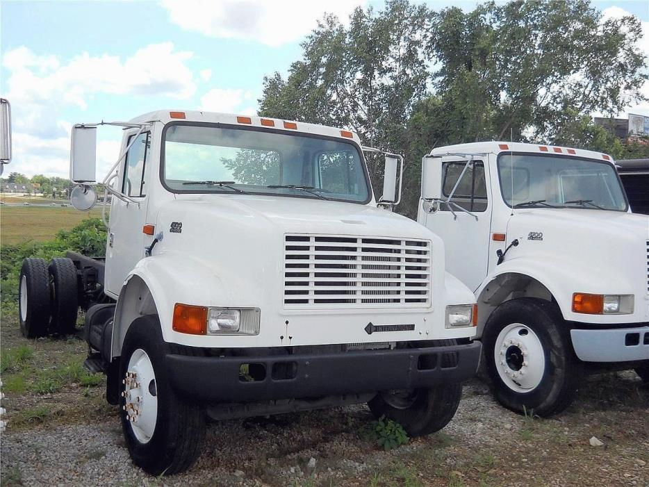 1998 International 4700 Cab Chassis, 3