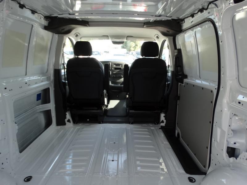 2017 Mercedes-Benz Metris Cargo Cargo Van, 5