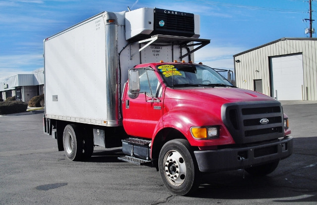 2005 Ford F750  Box Truck - Straight Truck
