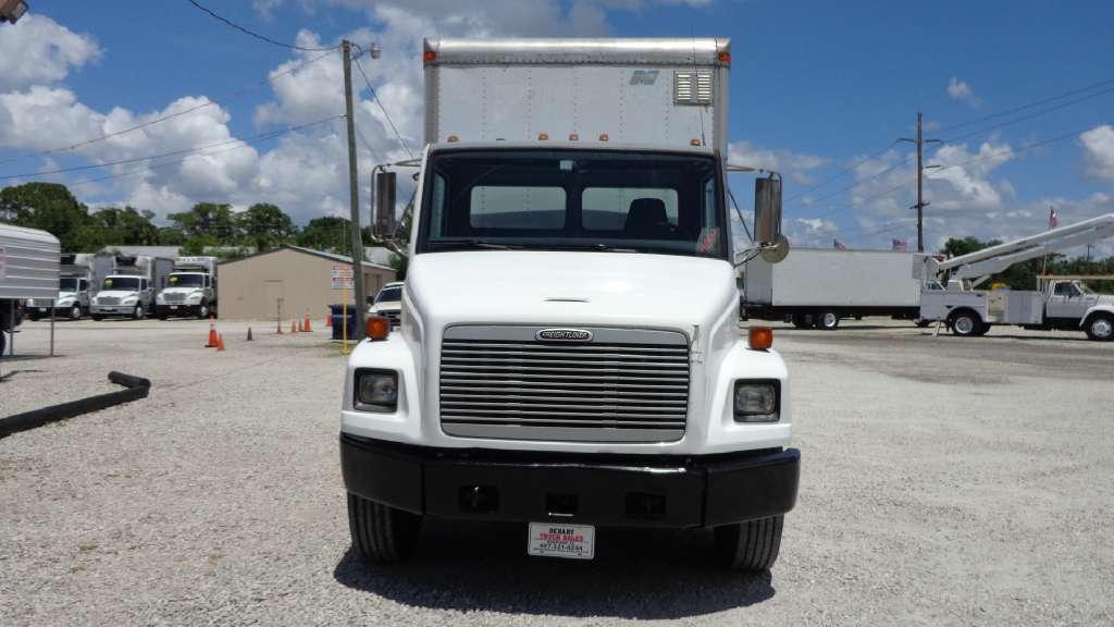 2002 Freightliner Fl70 Box Truck - Straight Truck, 2