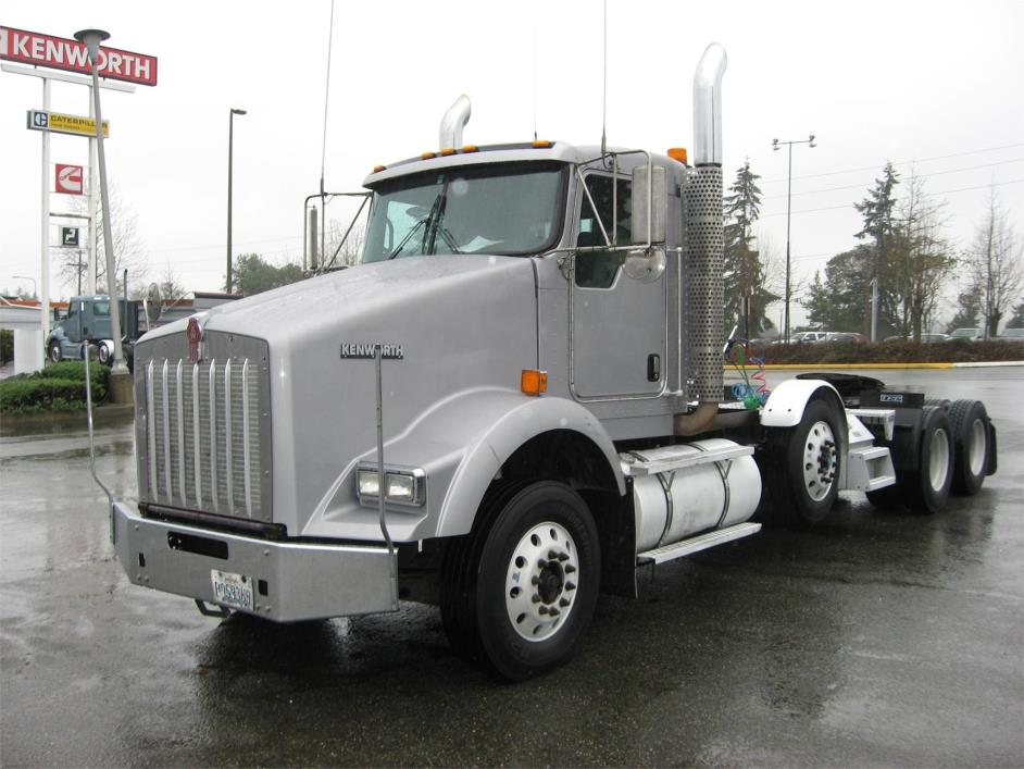 2009 Kenworth T800  Conventional - Day Cab