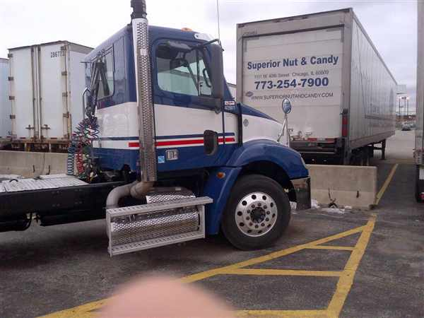 2008 Freightliner Columbia 112  Conventional - Day Cab