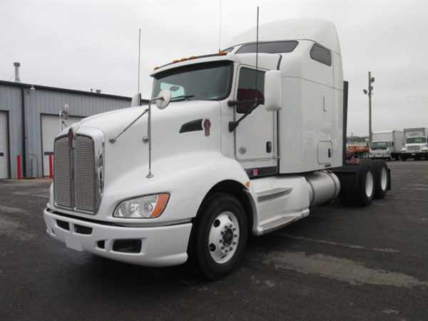 2011 Kenworth T660  Conventional - Sleeper Truck