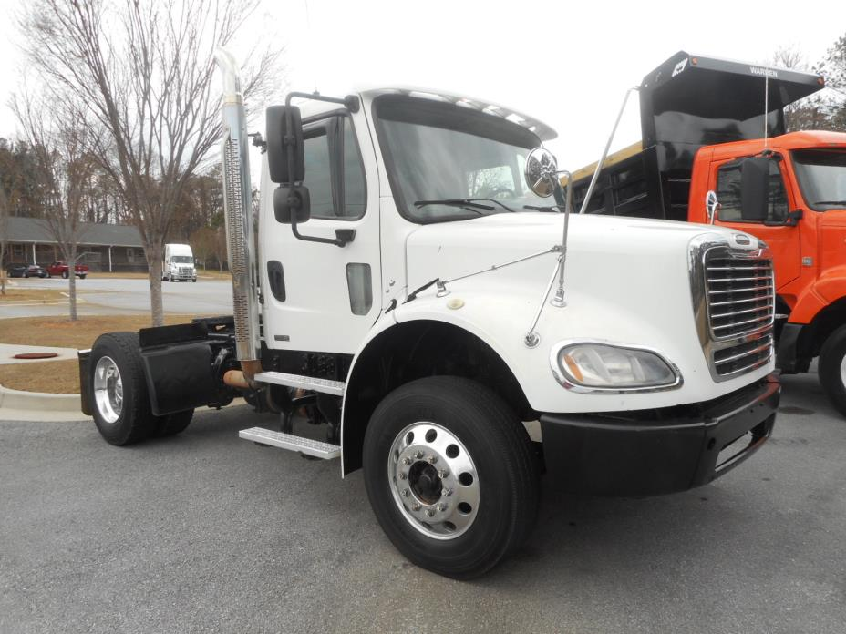 2009 Freightliner M2-112 Conventional - Day Cab