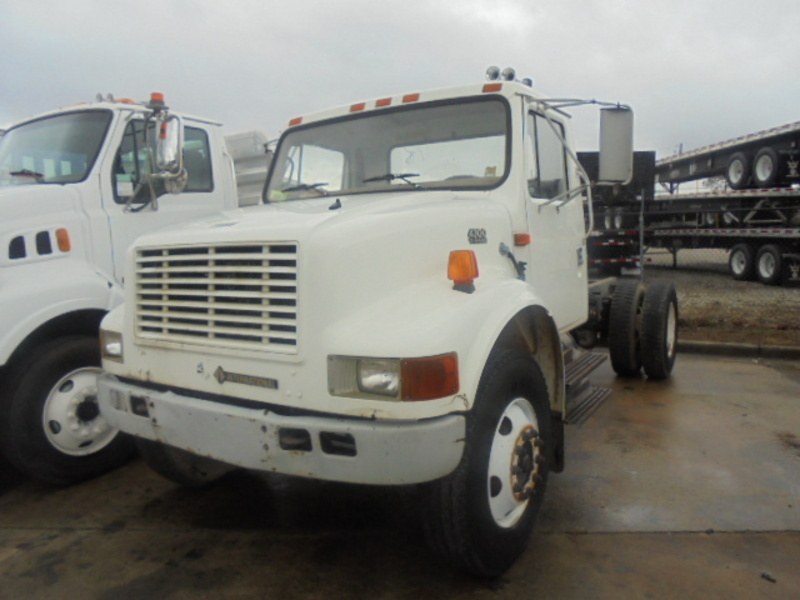 2000 International 4700 Cab Chassis