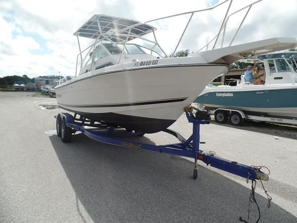 1988 Wellcraft 230 Coastal