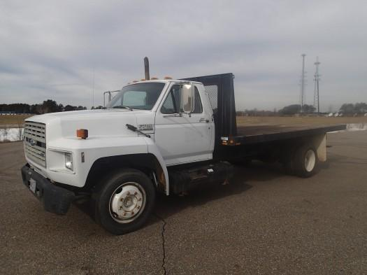 1993 Ford F700 Flat Bed  Flatbed Truck