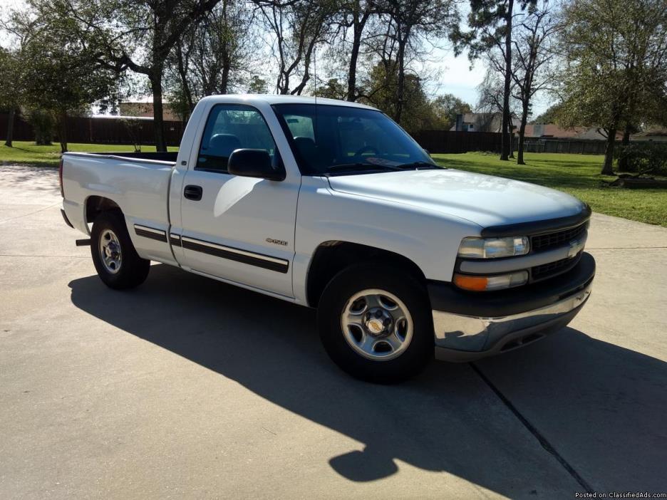 Clean 2001 Chevrolet Silverado RegCab Short Bed Truck in White - $5488