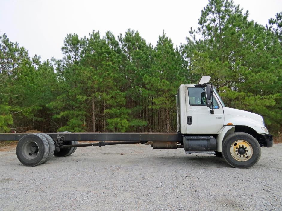 2007 International 4300  Cab Chassis