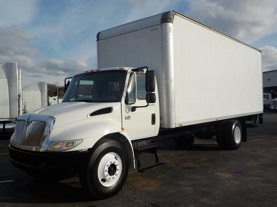 2005 International Durastar 4300  Box Truck - Straight Truck