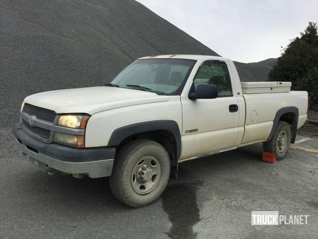 2003 Chevrolet Silverado 2500 Pickup Truck