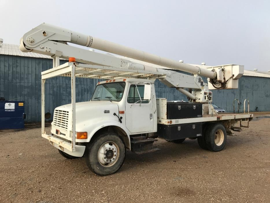 2001 International 4700 Bucket Truck - Boom Truck