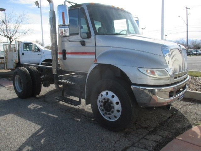 2007 International Durastar 4400  Cab Chassis