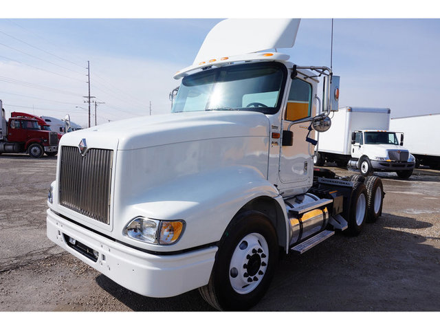 2007 International 9400i Conventional - Sleeper Truck