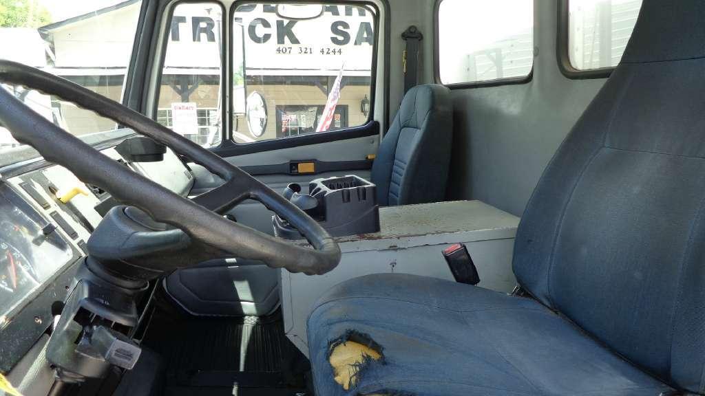 2002 Freightliner Fl70 Box Truck - Straight Truck, 9