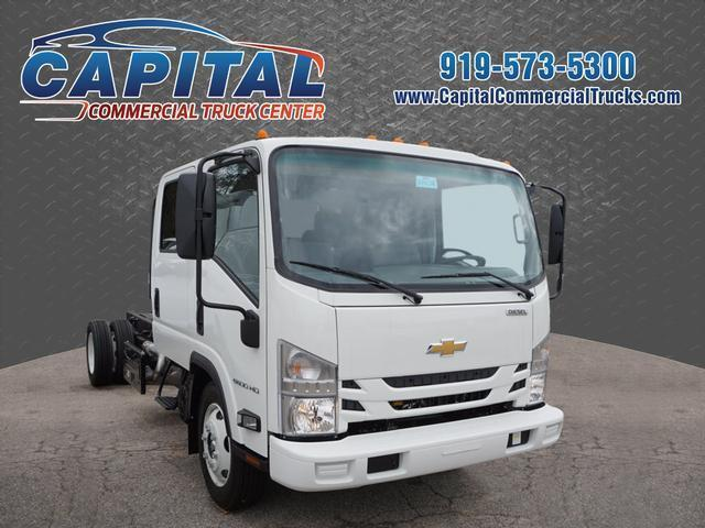 2017 Chevrolet 5500 Cab Chassis, 1