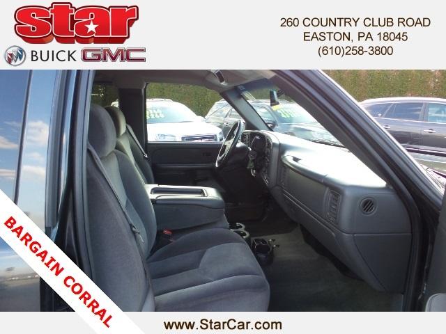 2003 Gmc Sierra 1500 Pickup Truck, 9