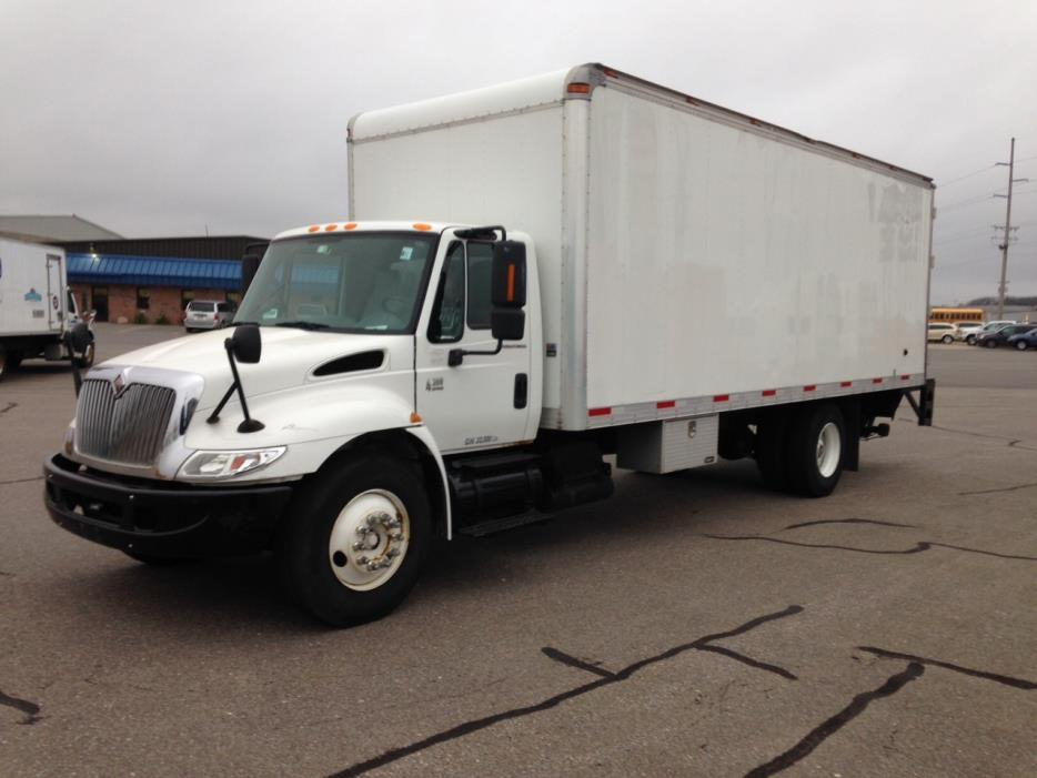 2004 International Durastar 4300 Box Truck - Straight Truck