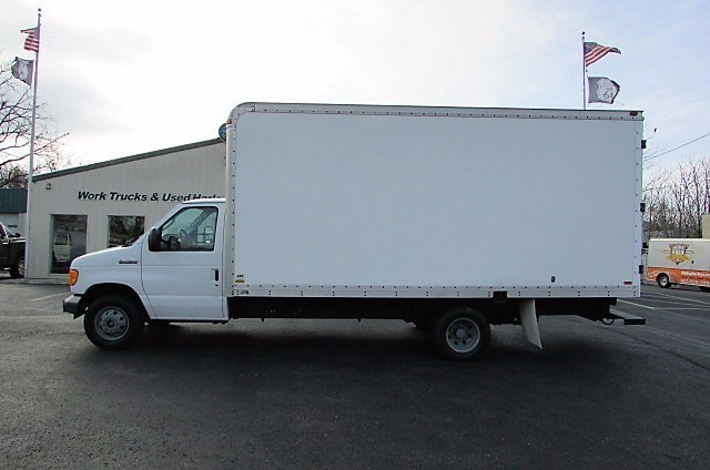 2006 Ford E450  Box Truck - Straight Truck
