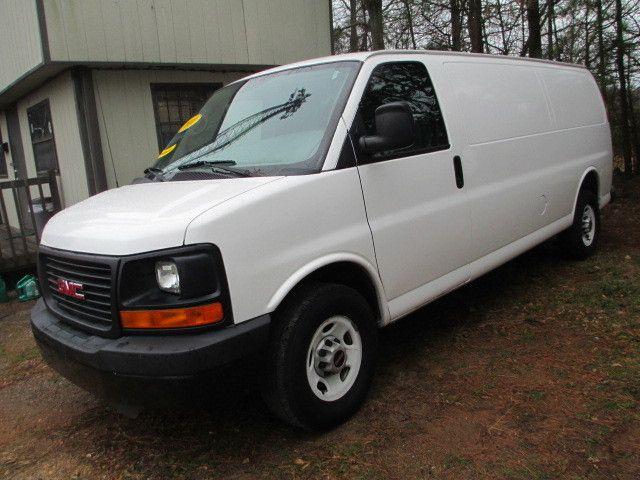 2010 Gmc Savana G3500 Cargo Van, 1