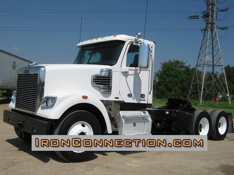 2012 Freightliner Coronado Conventional - Day Cab, 1