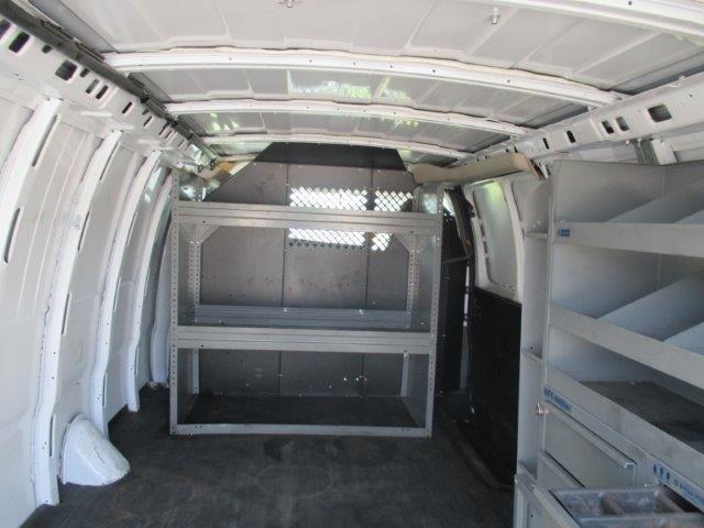 2010 Gmc Savana G3500 Cargo Van, 4