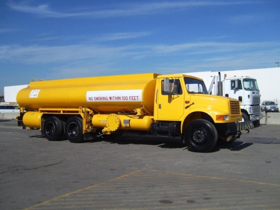 1993 International 4900  Fuel Truck - Lube Truck