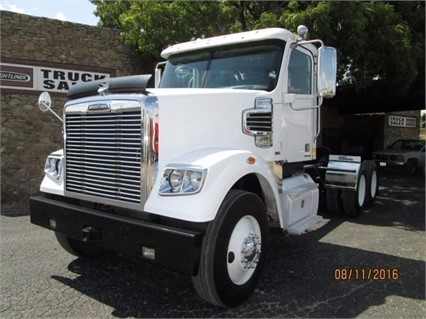 2012 Freightliner 122 Sd  Conventional - Day Cab