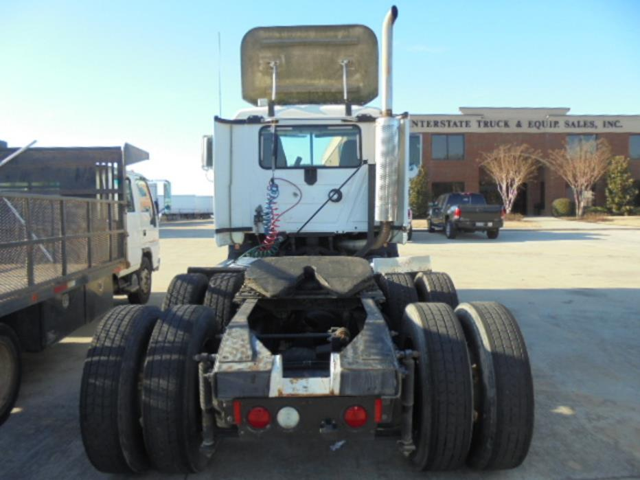 1999 Mack Ch613 Conventional - Day Cab, 2